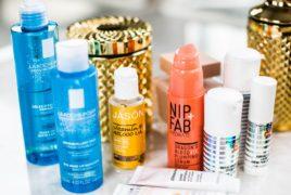 ニキビ跡は化粧水での念入りケアを。市販でも効果抜群のおすすめアイテム15選