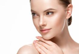 【シミを消す方法は存在するの?】透明感のある肌を簡単にゲットできるスキンケア商品10選