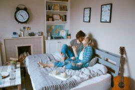 【お家デートに誘う男性心理が知りたい!】お家での楽しみ方と男の本音♡